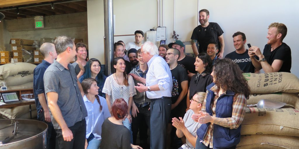 Bernie in the house!! Thanks for stopping in and sharing a cup, @BernieSanders & Jane! https://t.co/lhM2PzjHl7