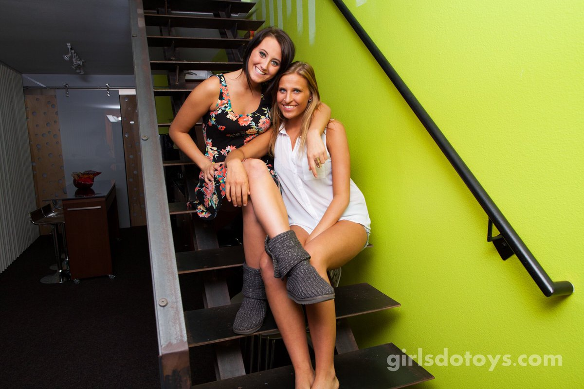 These two cuties want to get to know each other a little better... #girlsdotoys #gdt #cuties #lesbian
