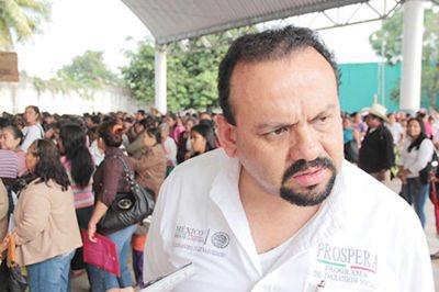 La renuncia de Alejandro Baquedano a #Prospera demuestra que desviaba recursos a favor de @PRI_Nacional en #Veracruz https://t.co/rDrBEgt8O4