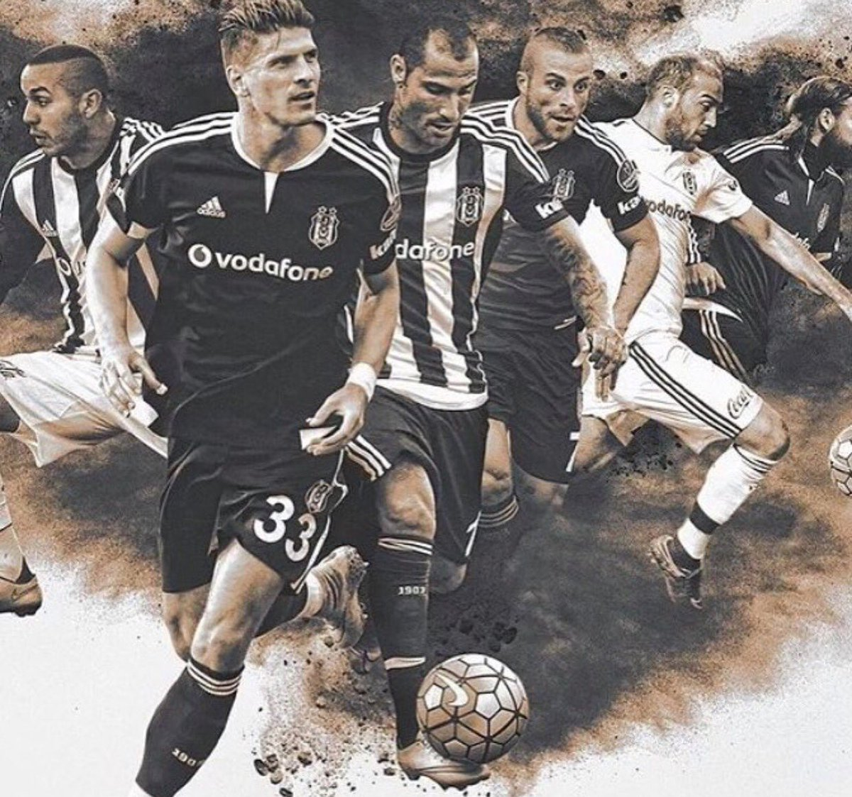 There is still one more step to go! Let's stay focused and hungry! 💪🏽⚫️⚪️ #besiktas#blackeagle #onemorepoint #bjk https://t.co/4jnAwf6Q5k