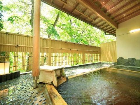 【埼玉県 絶景露天風呂のある宿】 「丸山鉱泉旅館」と「和どう」は、絶景というよりは森林浴が楽しめそう。 「かんぽの宿寄居」の露天風呂はなんとも開放感があります。 https://t.co/nKr25y7f7o  https://t.co/0L0hh7YEz4