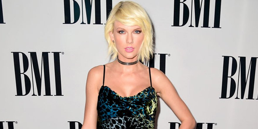 Taylor Swift 2.0 keeps it '90s in a choker and velvet dress at the