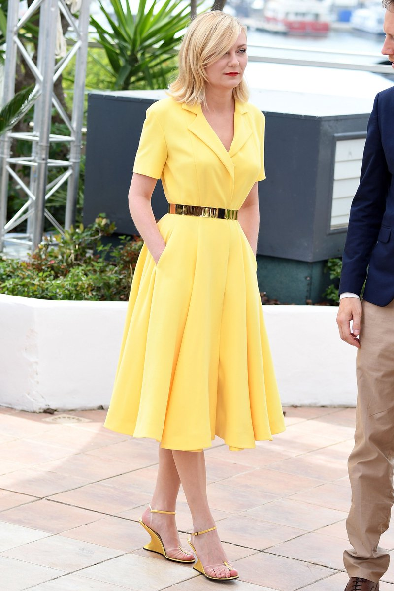 We love the sunny yellow dress Kirsten Dunst wore today. See all the #Cannes fashion here: https://t.co/logx9Ik3Dc