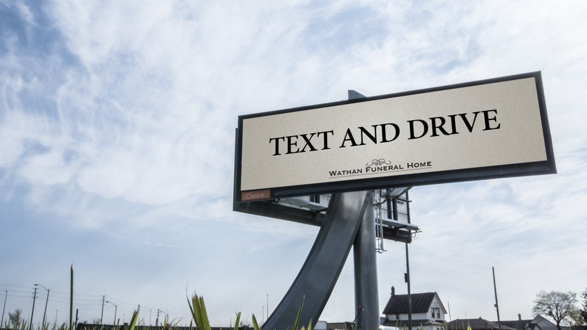 Funeral Home https://t.co/LhIZGRbDDQ encourages motorists to #TextandDrive. https://t.co/oV0jSY8KZK
