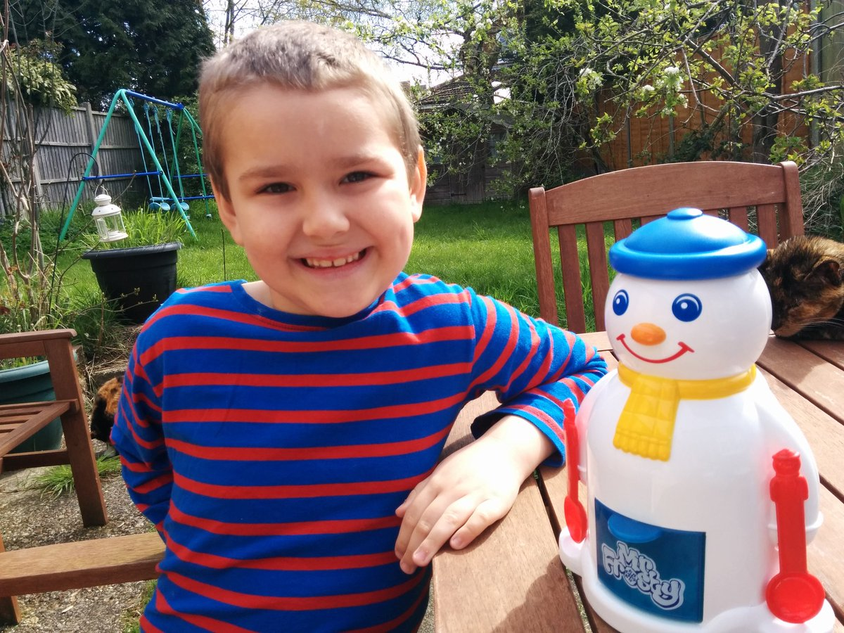 BB loves Mr Frosty as much as I do! #ILoveMrFrosty @UKMumstv @CoolCreateClub https://t.co/NAGjKnW6GO