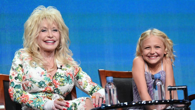 NBC, Dolly Parton Set CoatofManyColors Christmas-Themed Sequel