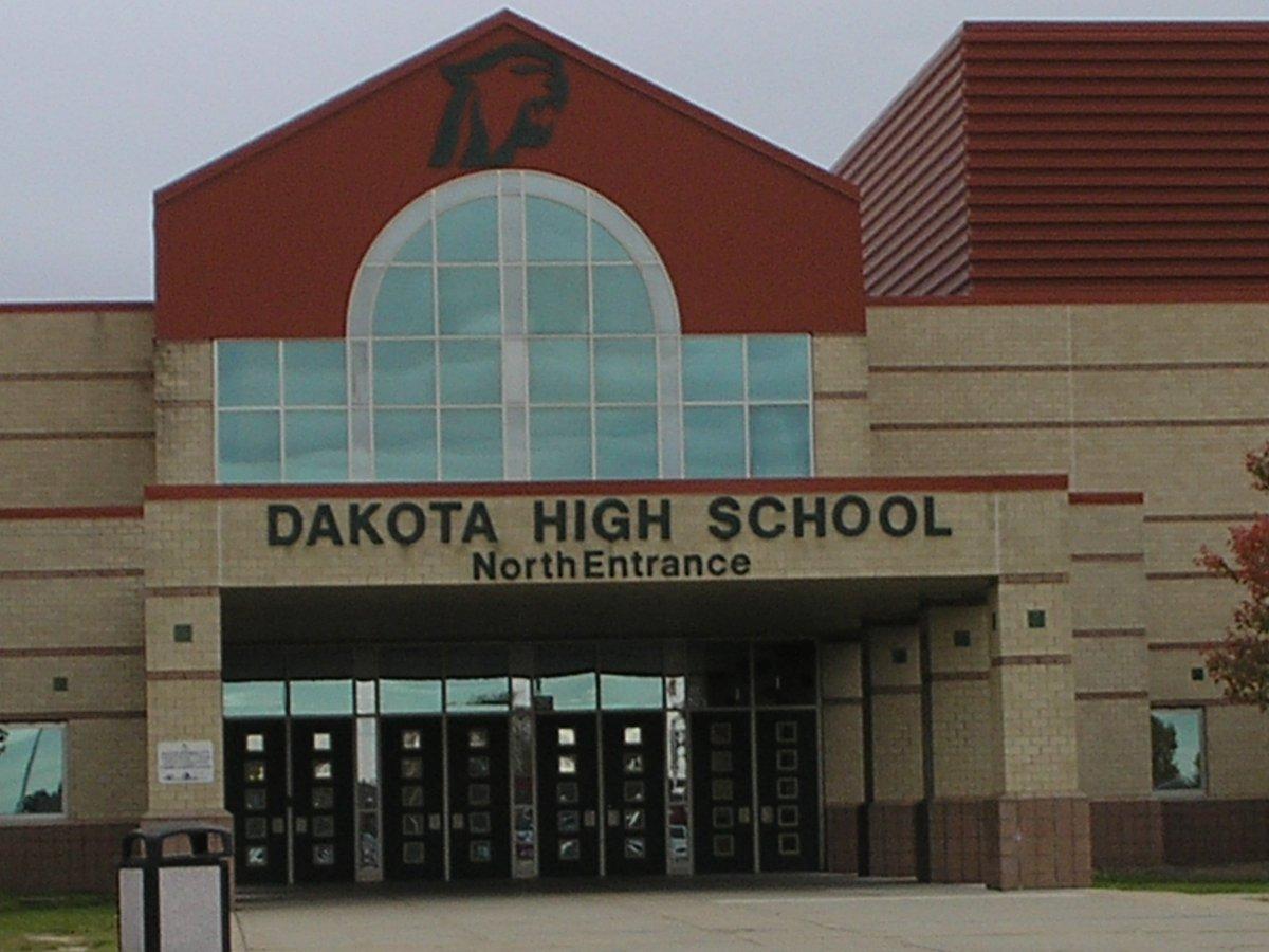 Dakota Family Night focuses on dangerous #vaping trend https://t.co/Mi1B4ZwAym https://t.co/imiAP72LgR