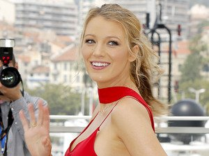 Just WOW. Blake Lively shows hint of bump for first time since pregnancy reports surfaced!