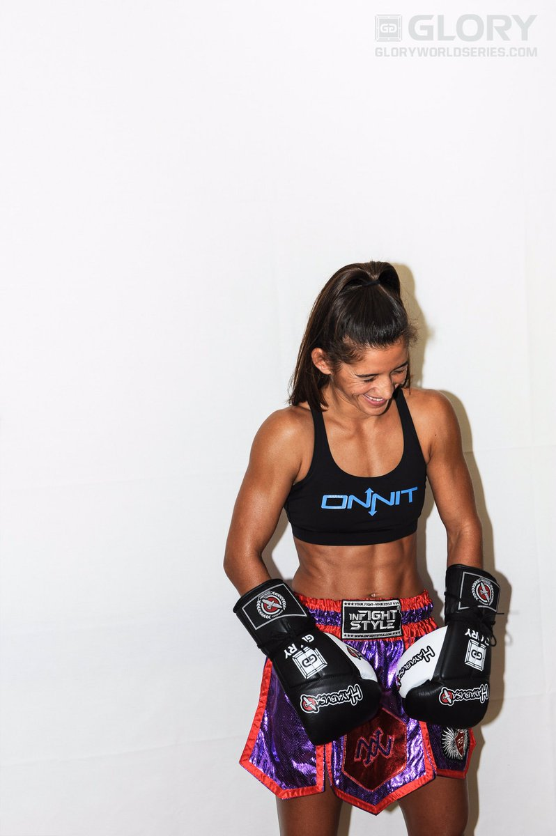 @TiffanyTimeBomb trying to keep it serious during her photo shoot for @GLORY_WS today in Los Angeles #GLORY30 https://t.co/SweG458wXi
