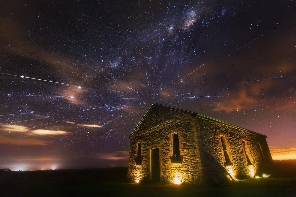 Meteor Shower And Milky Way   Photography by ©Dylan Toh & Marianne Lim https://t.co/oIwh8aXG3d