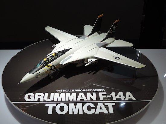 タミヤブースから注目の新製品をご紹介。会場発表のスケールモデル「1/48傑作機シリーズ グラマン F-14A トムキャット」。もちろん完全新開発! #tamiya #静岡ホビーショー https://t.co/WOse5W5uqe