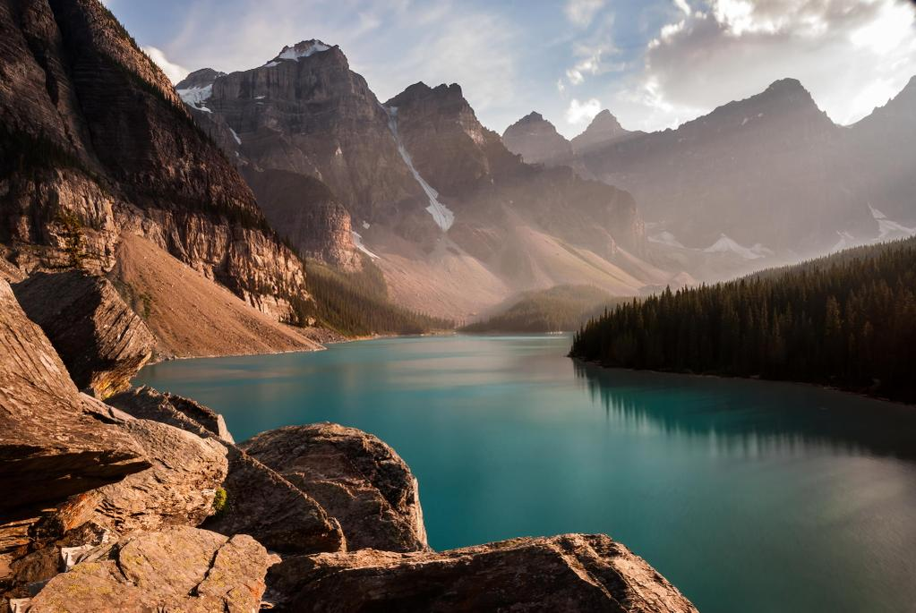 Moraine Lake in Banff, Canada   Photography by ©Dominic Walter https://t.co/bykviGFXxf