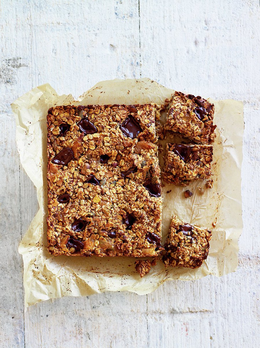 Have today's #RecipeOfTheDay as a mid-morning snack - energy bars from @JamieMagazine: https://t.co/eabnilTuxp https://t.co/zfEZtVmIdV