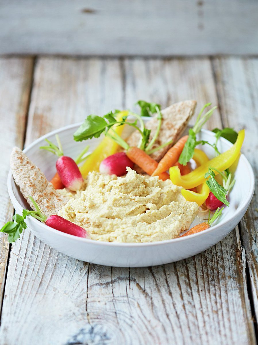 #RecipeOfTheDay is a great, nutritious snack - simple #houmous! https://t.co/8KYIo7ZdD5 #FoodRevolution https://t.co/9fR2J87lqh