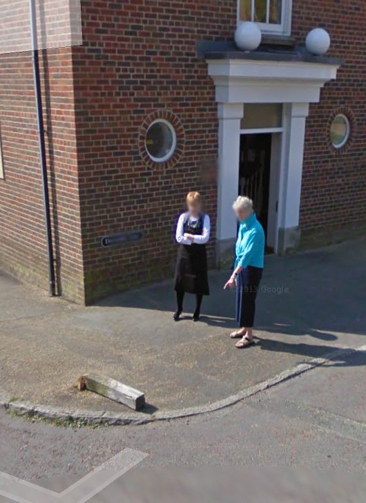 Was strolling through Poundbury on Google Streetview, came across this scene. https://t.co/cqGz3l2QEr