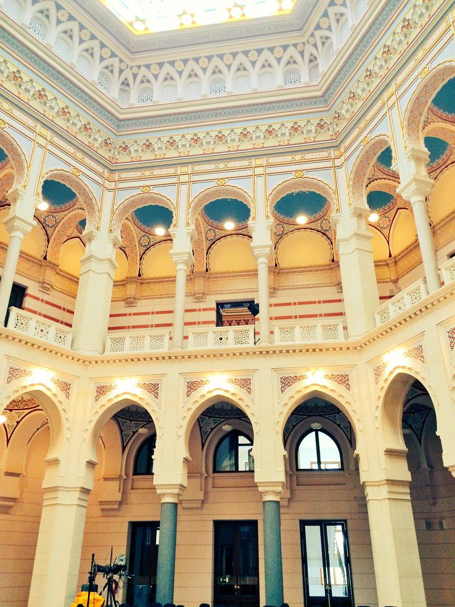 A city hall of distinction. #Sarajevo https://t.co/QJ9smS4Cpl