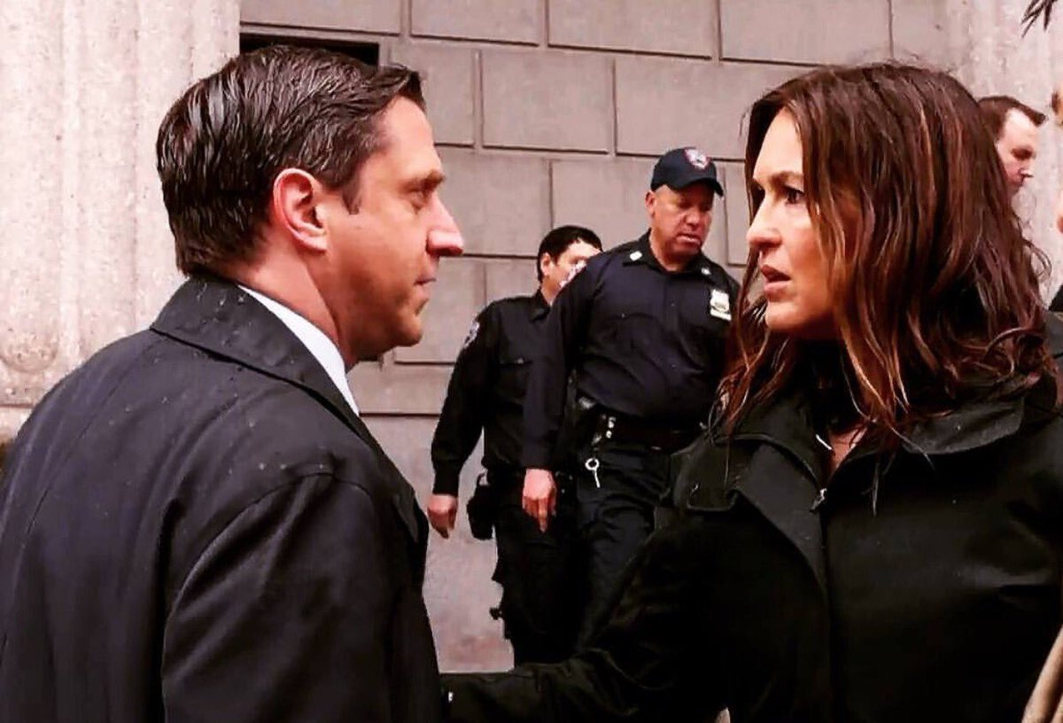 Benson's hair is curly... And Barba receives death threats... What's going to happen next?
