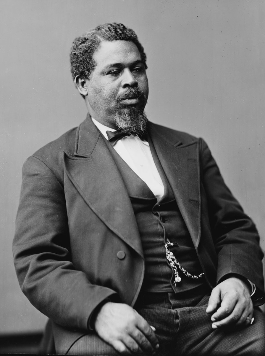 Today in 1862 Robert Smalls steals a confederate war ship and sails 17 slaves and himself to freedom. #BlackHistory https://t.co/3foBysl1Pe