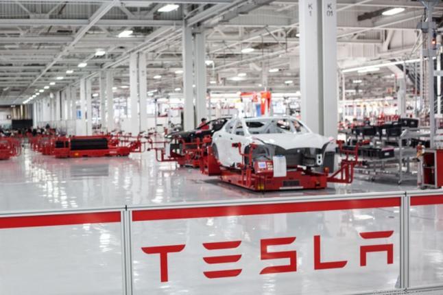 ForoCoches (@forocoches) quiere traer una fábrica de Tesla a España https://t.co/lG1VpG5YwY #SpainLovesTesla https://t.co/3RZybLyXeS