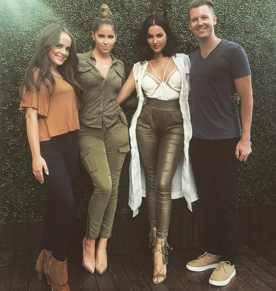 New #MeltingPot on @iHeartRadio w/ @OliviaPierson & @nataliehalcro. Listen on-demand: https://t.co/lIZZqLpj1A https://t.co/89PKlwZ1Uk