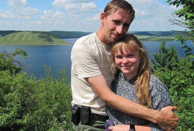 Андрей Бубеев, инженер-механик из Твери, его жена и дети. Андрей получил 2,3 года колонии за репост «Вконтакте» https://t.co/nkNCTePYbw
