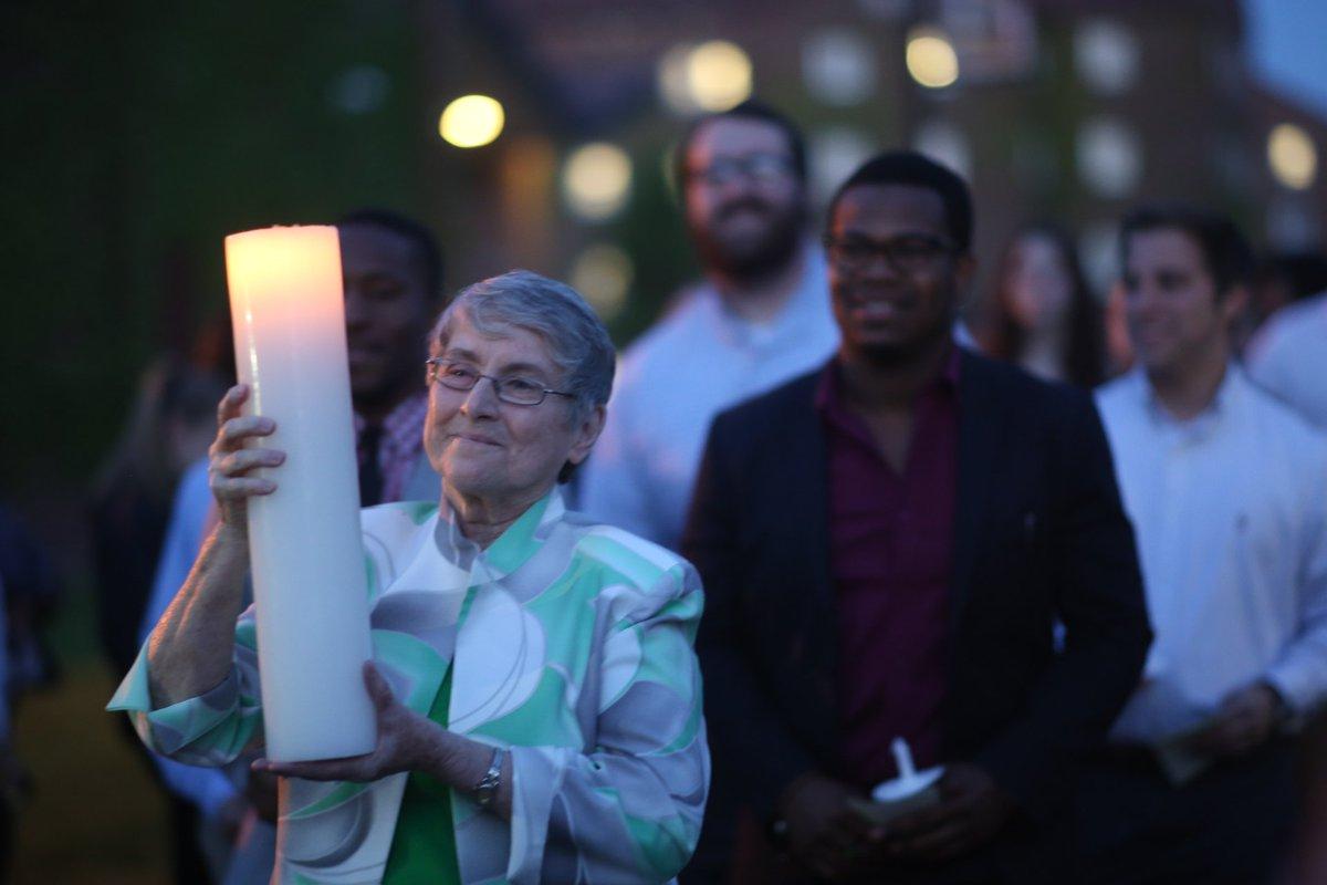 President Sr. Margaret Carney leads her final senior Candlelight Ceremony #BonasGrad2016 https://t.co/j0x43JjB2t