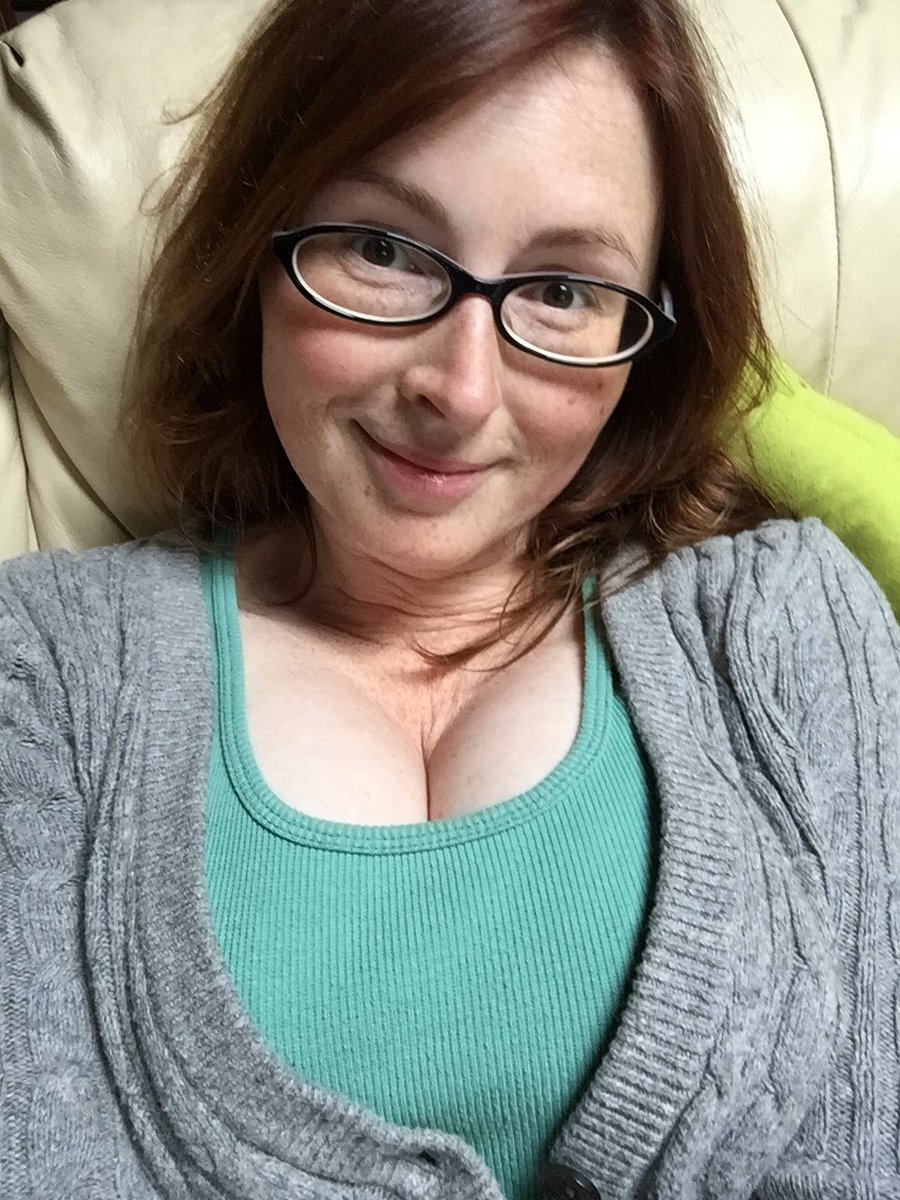 Cozy on the couch today! #glasses #nomakeup dfoa020cLX