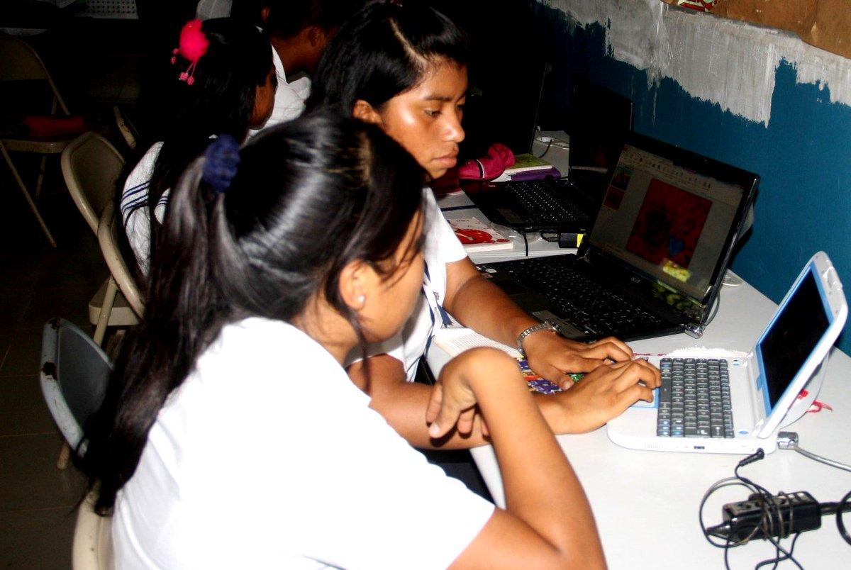 La educación es el objetivo más importante de llevar @RNIPanama a todas las regiones del país. #ComarcaNgäbe https://t.co/5CQRrdDXDG
