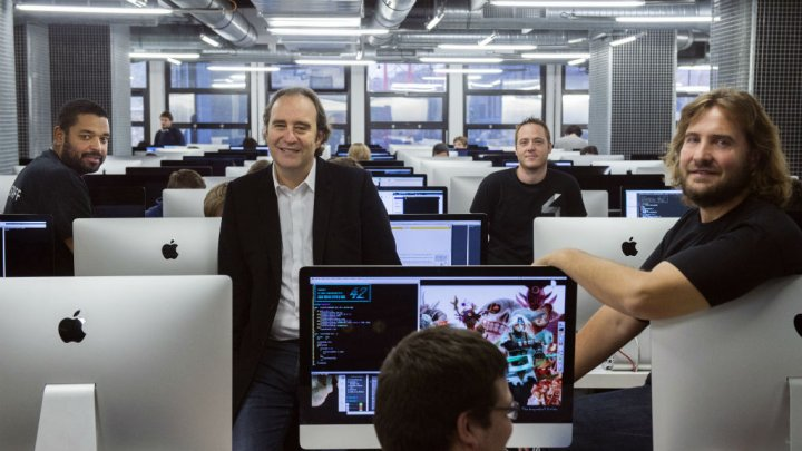 French telecom tycoon to open free coding school in Silicon Valley