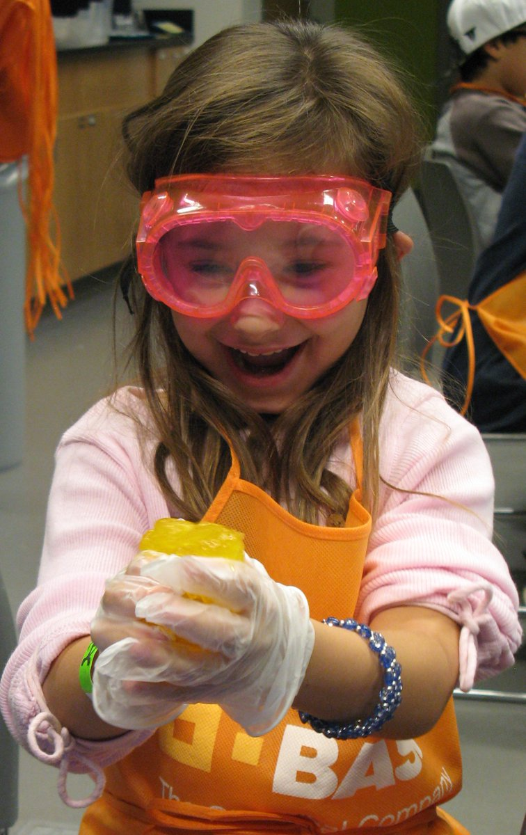 Get out of the heat and join us for some hands-on #chemistry fun, this weekend at @BASF Kids' Lab! https://t.co/nb9jCnVMFX