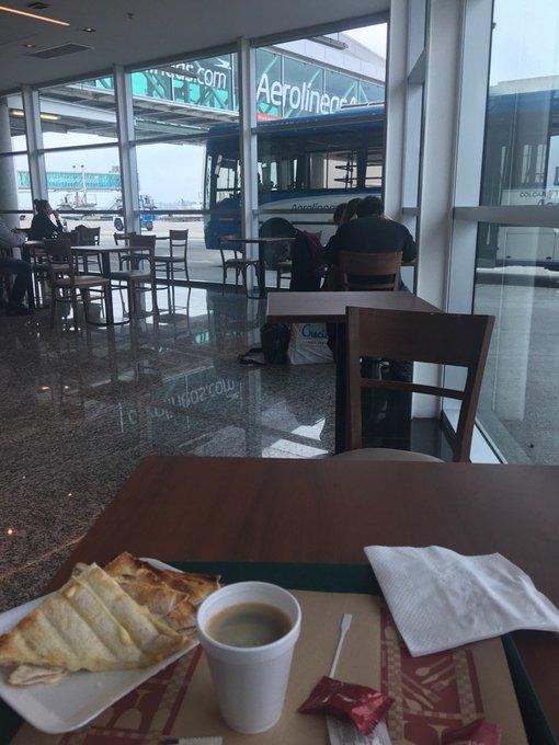 Cafecito, esperando embarcar a Rio Grande- Tierrra del Fuego, es la única provincia del país que no conozco