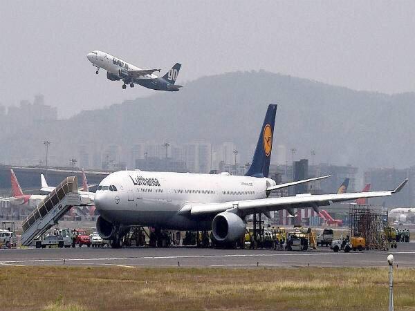 Lufthansa plane blocks Mumbai airport runway