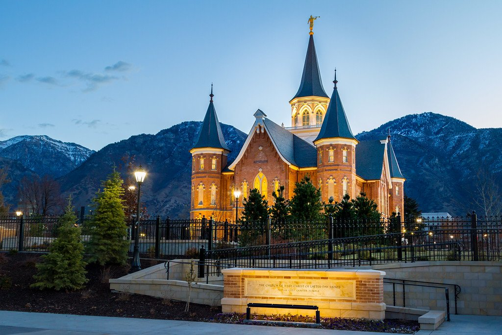 """""""I love to see the temple I'm going there someday"""" #ilovetoseetheTemple #LDS #LdsTemples #imgoingtheresomeday https://t.co/03auJlsT1j"""