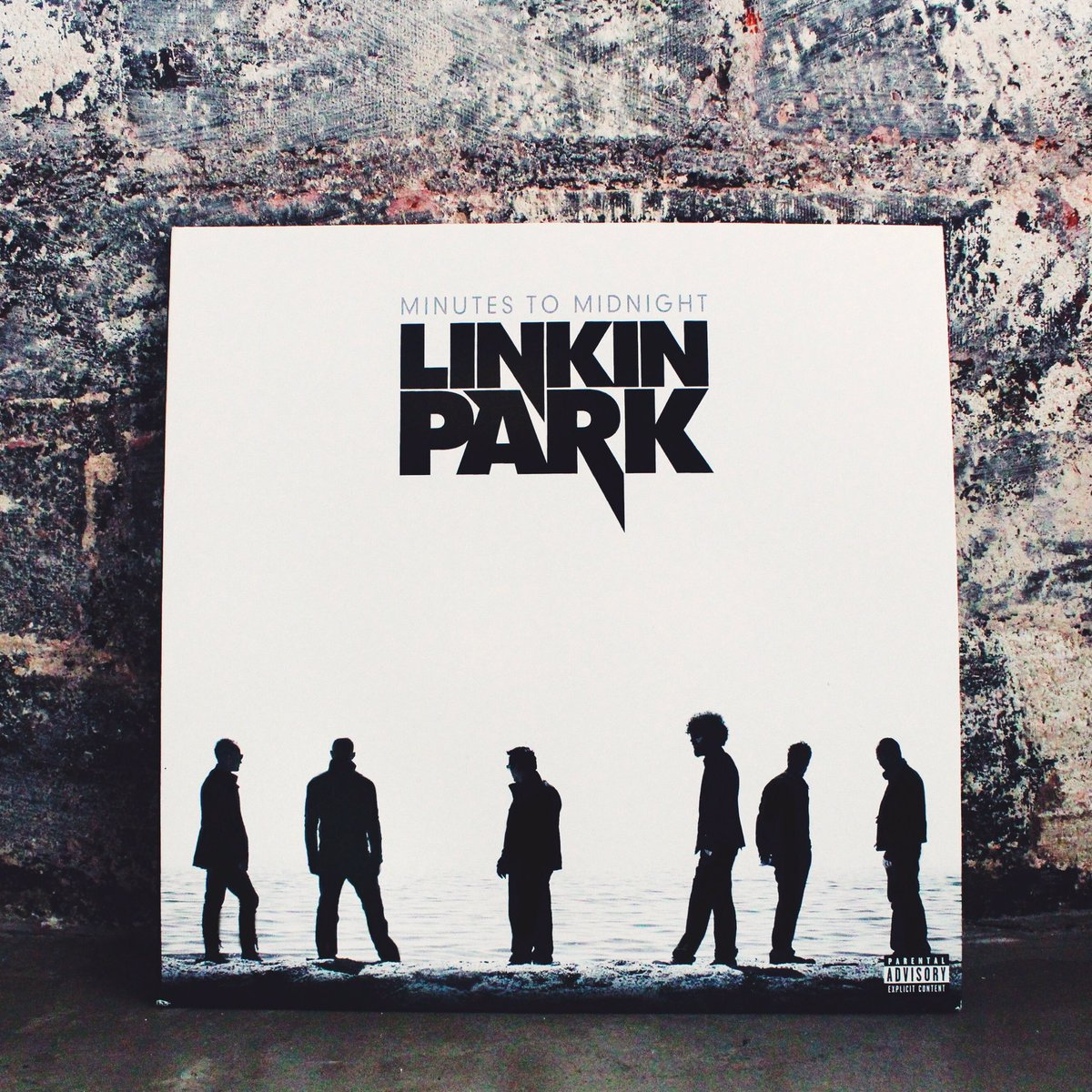 9 years ago today, #MinutesToMidnight was released worldwide. https://t.co/FFLpfWnqP1