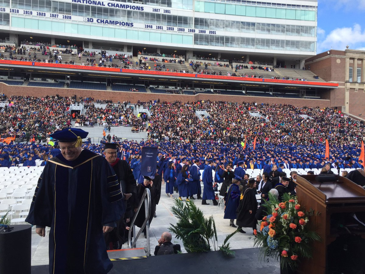 I was honored to speak at the University of Illinois Commencement today. https://t.co/OtW89JTVAV #illinois2016 https://t.co/VDRc6NC6Lx