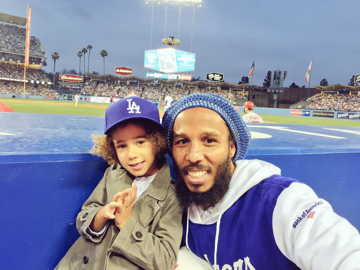 Our first ever baseball game. @Dodgers #dodgers https://t.co/Whz0MJ7LR2