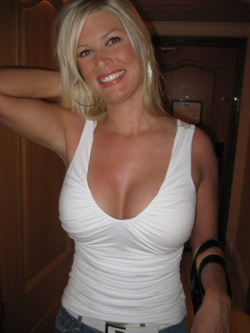 Russian Busty Mom 35
