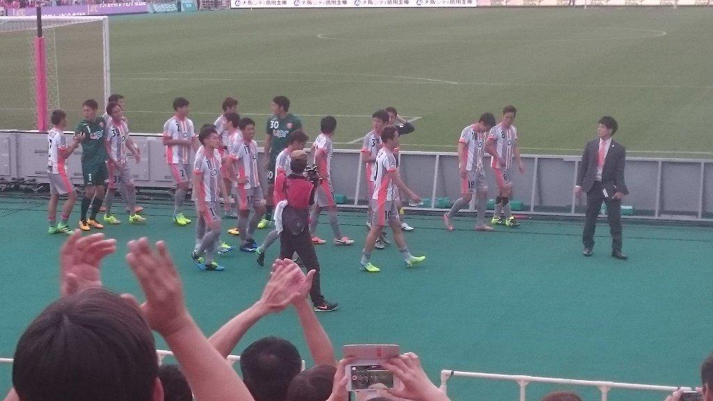 セレッソ大阪vsレノファ山口FC  サッカー試合は色々見てきたが、ここまで面白いサッカーを見て感動して鳥肌立った、涙出たのは初めてな気がする。 スラムダンクの最終章を見た時と同じ気持ち。レノファは強い。間違いなく強く面白い https://t.co/yVkbiXChdA