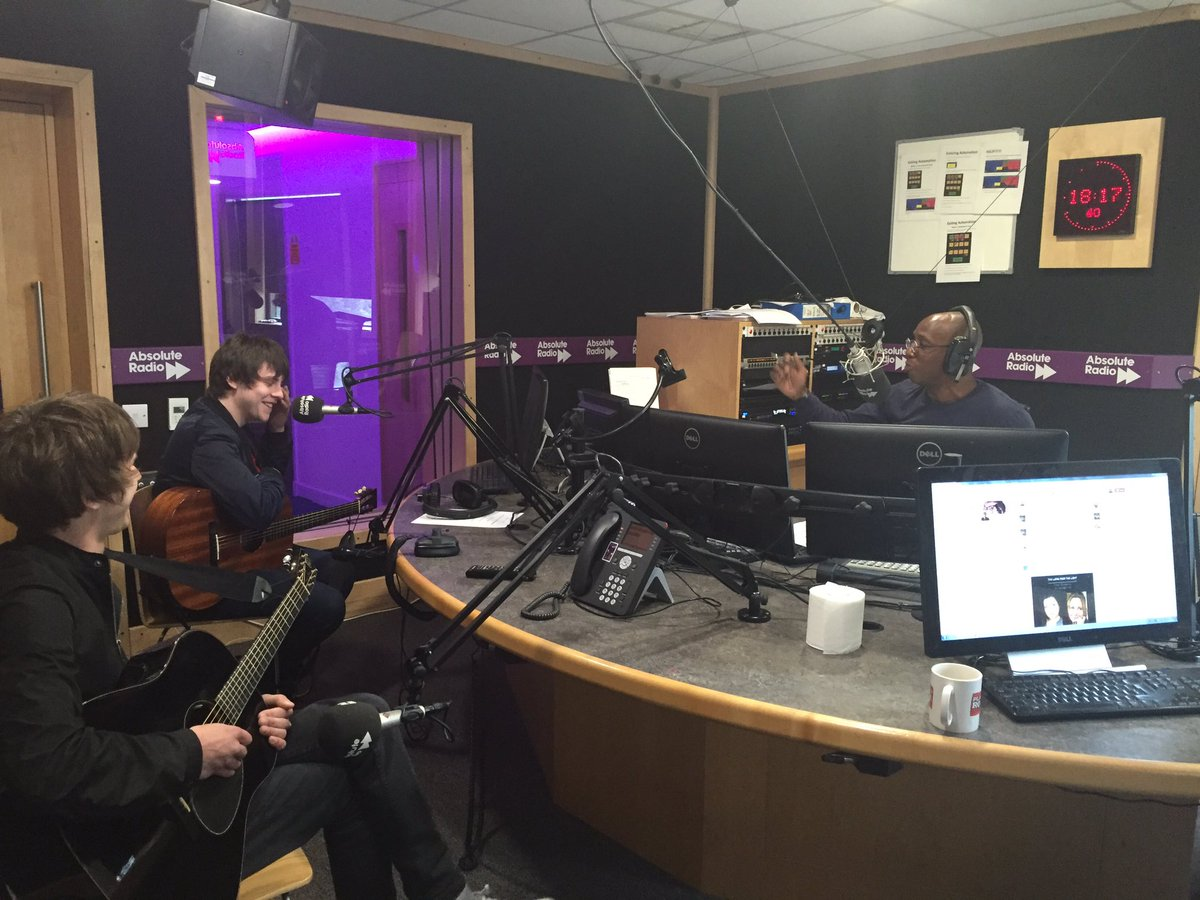 ".@IanWright0 asks @JakeBugg if #NottsCounty can replicate #LCFC success. ""No I don't"" says Jake. https://t.co/tJwlNzbhRc"