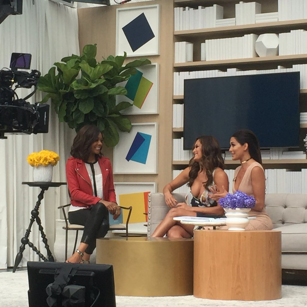 The inimitable @BellaTwins rocking the #NBCU2016 Social Lounge. https://t.co/eHkFe4uxCp