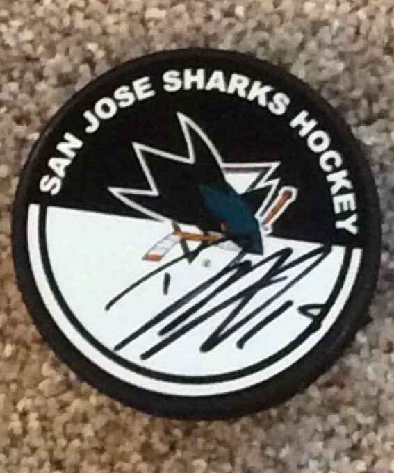 If this has 1000 RT by 3:00 PM EST, one retweeter will get a Dany Heatley signed puck. #NHL17Pavelski @SanJoseSharks https://t.co/lWrxDfyG9X