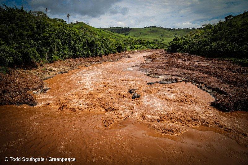 Há 6 meses #Mariana era varrida do mapa e agora o @SenadoFederal qr acabar c/ licenciamento ambiental. Não à #PEC65 https://t.co/QsxjHN1uZv