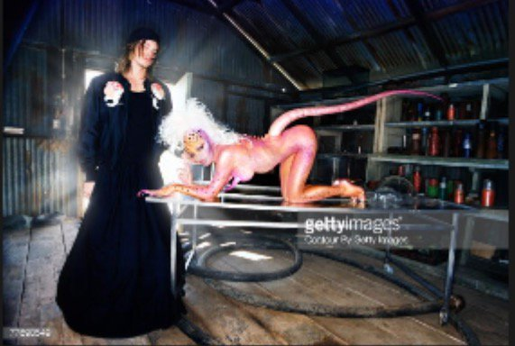 Fave pic #davidlachapelle he always brings out the beast in me - #loumovogue #LA https://t.co/BubyiZtCvu