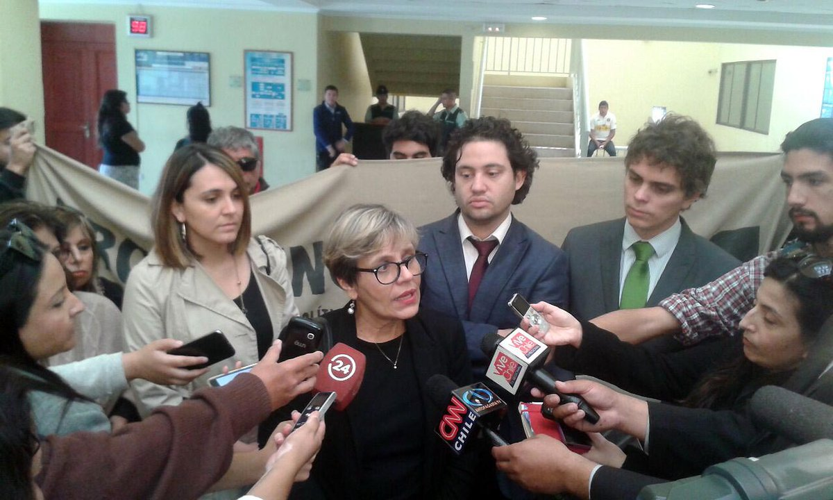 Directora @inddh presenta querella por abuso policial contra dos funcionarias de Antofagasta https://t.co/ZaA2zlh7LX