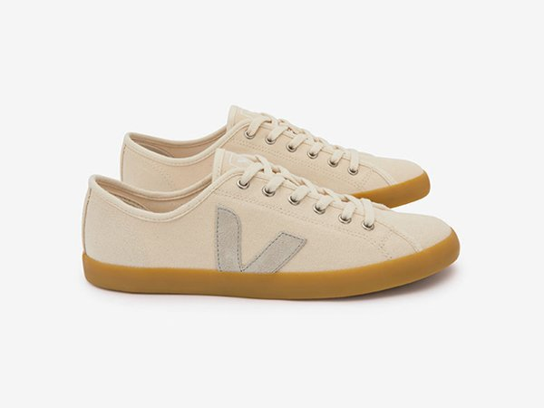 Veja x Industry of All Nations Sneakers (@V_E_J_A @IOAN_Brand). https://t.co/pd3qFqAq3R https://t.co/d1tDuRuh3Q