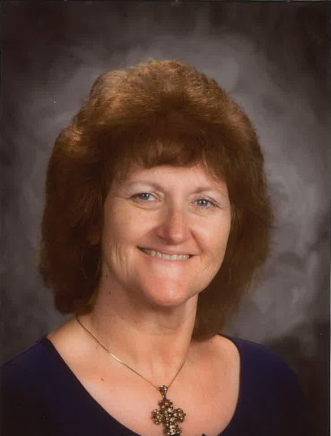 #BREAKING Fowler Unified says long time teacher Linda Gutierrez died in crash on 99 Monday. She taught for 34 years. https://t.co/IeoY0FMBMr