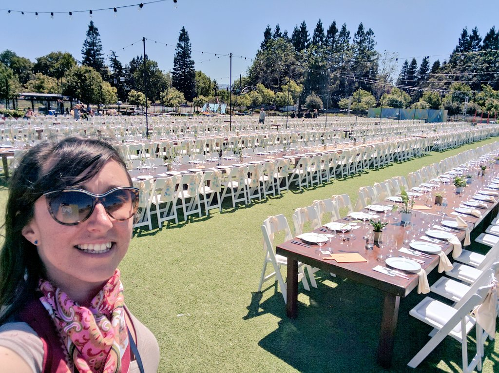 Excited to host 1,000+ women tonight for our annual #io16 @WomenTechmakers dinner! Coachella vibes in effect https://t.co/vGMtV6FnjE