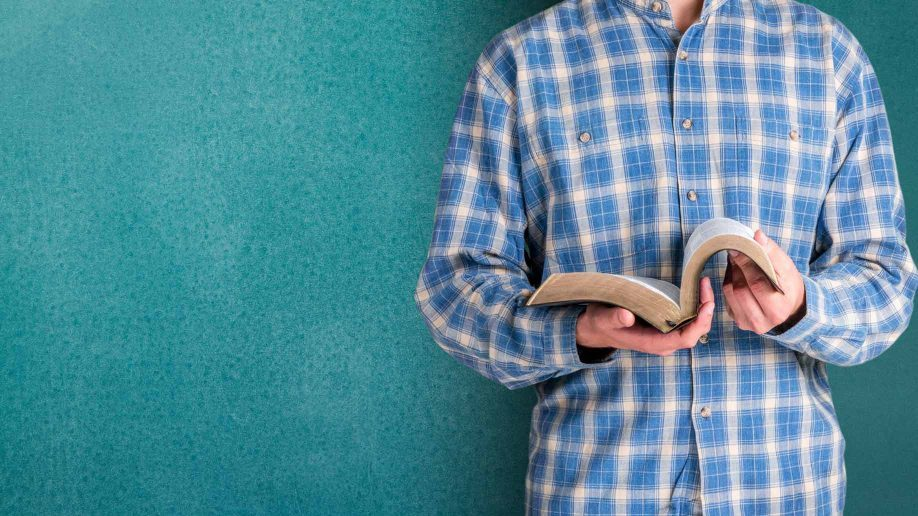 What can the Bible teach you about money and personal finance? Quite a lot actually. https://t.co/Vbs6JZASzL https://t.co/U5ONpcleOx