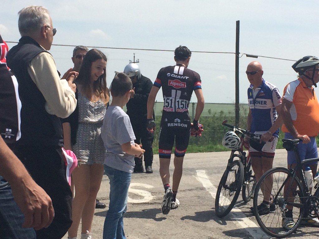 Dumoulin abandons Giro Italia. https://t.co/To5DnAXiZw