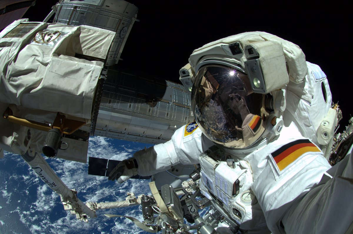 Glückwunsch @Astro_Alex! Im Mai 2018 startet er erneut zur #ISS & übernimmt als 1. dt. #ESA-#Astronaut das Kommando! https://t.co/NS7zBgExsz